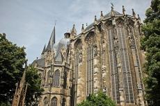 Aachen na tróne