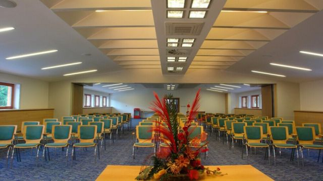 Kongresová sála hotela Horal vo Veľkých Karloviciach - Resort Valachy